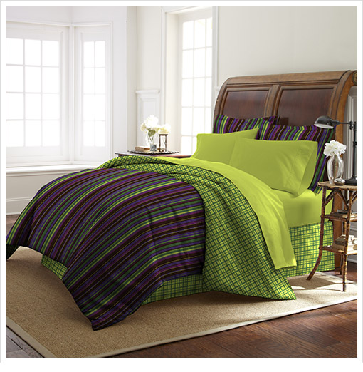 Expired – Colonial Home 8-Piece Bed-in-a-Bag with Comforter, Pillow Shams, Bed Skirt, Pillow Cases, and Fitted/Flat Sheet