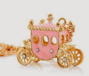 FREE - BEAUTIFUL PRINCESS CARRIAGE NECKLACE