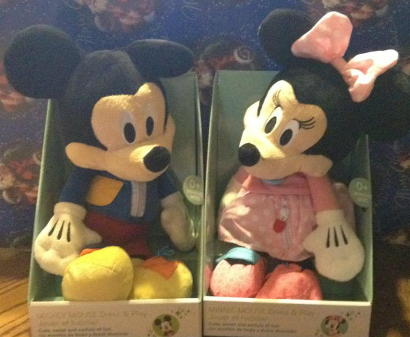 Mickey and Minnie Dress and Play
