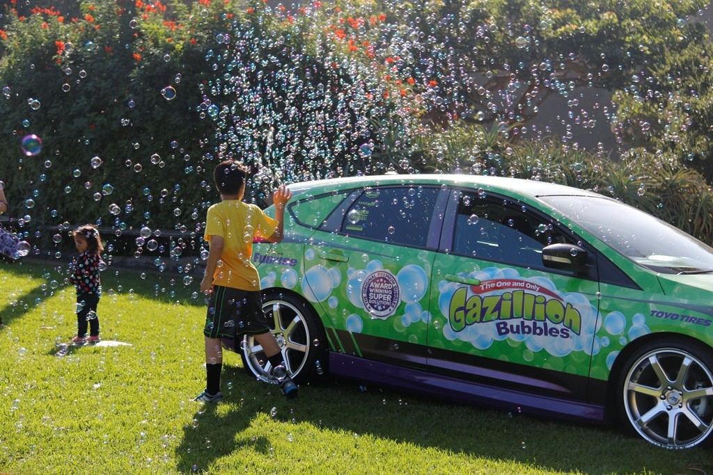 Gazillion Bubble Car with Kids