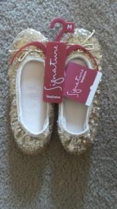 Dearfoam Signature Sequin Ballerina Style Slippers Giveaway