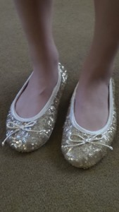 Dearfoam Signature Sequin Ballerina Style Slippers Giveaway1